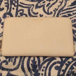 Henri Bendel zip around wallet